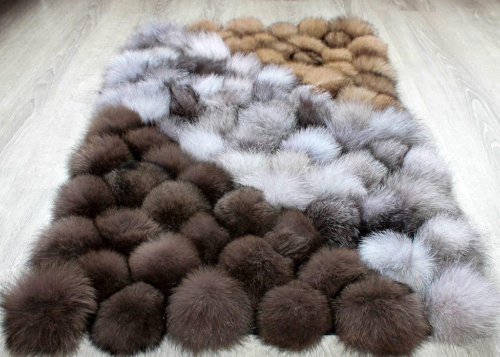 коврик из помпонов меховой