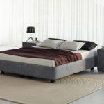 кровать серая