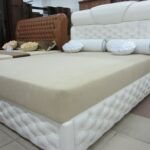 кровать кожа