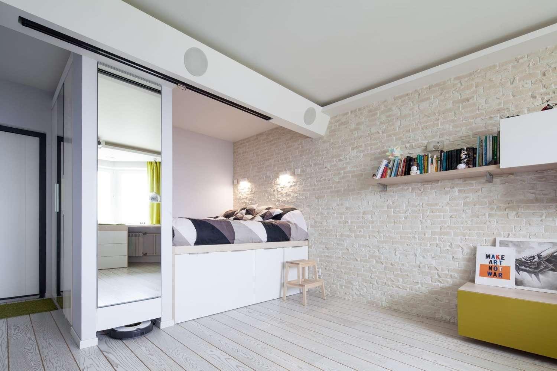 Кровать для однокомнатной квартиры фото черемухи