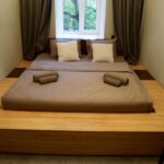 кровать подиум интерьер