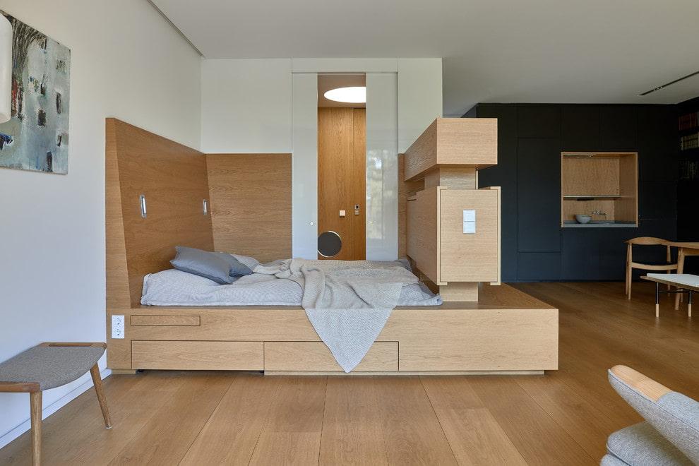кровать подиум декор