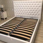кровать с ортопедическим основанием декор фото