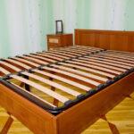 кровать с ортопедическим основанием декор идеи