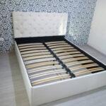 кровать с ортопедическим основанием интерьер идеи