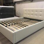 кровать с ортопедическим основанием виды декора