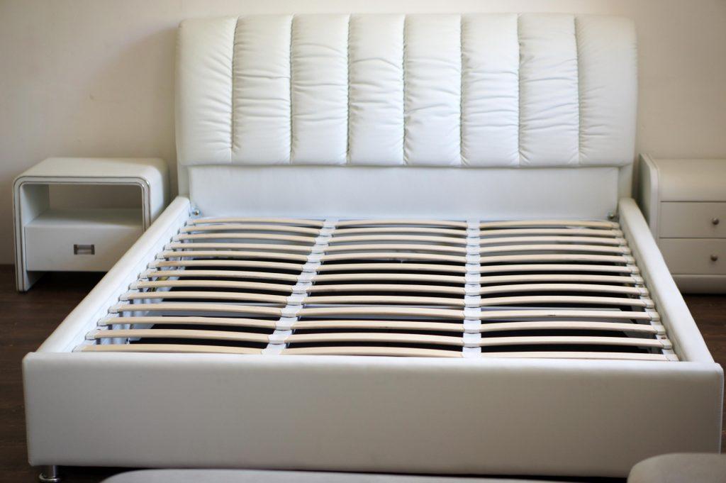кровать с ортопедическим основанием идеи