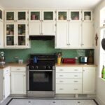 кухонные шкафы до потолка частично застекленные