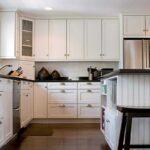 кухонные шкафы до потолка минимализм