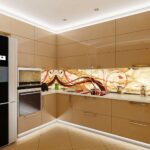 кухонные шкафы до потолка бежевые глянцевые