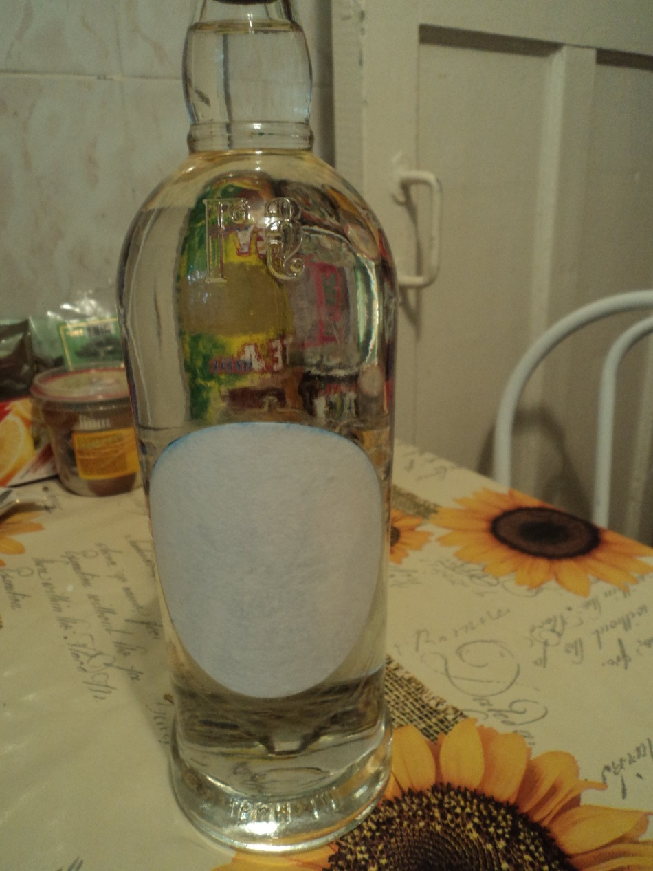 подготовка к декупажу бутылки