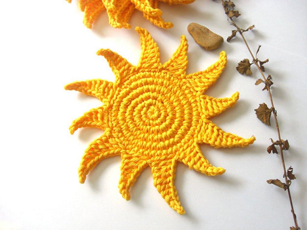 подставка под горячее крючком солнышко