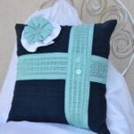 подушка из поролона синяя