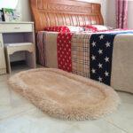 прикроватный коврик для спальни декор фото