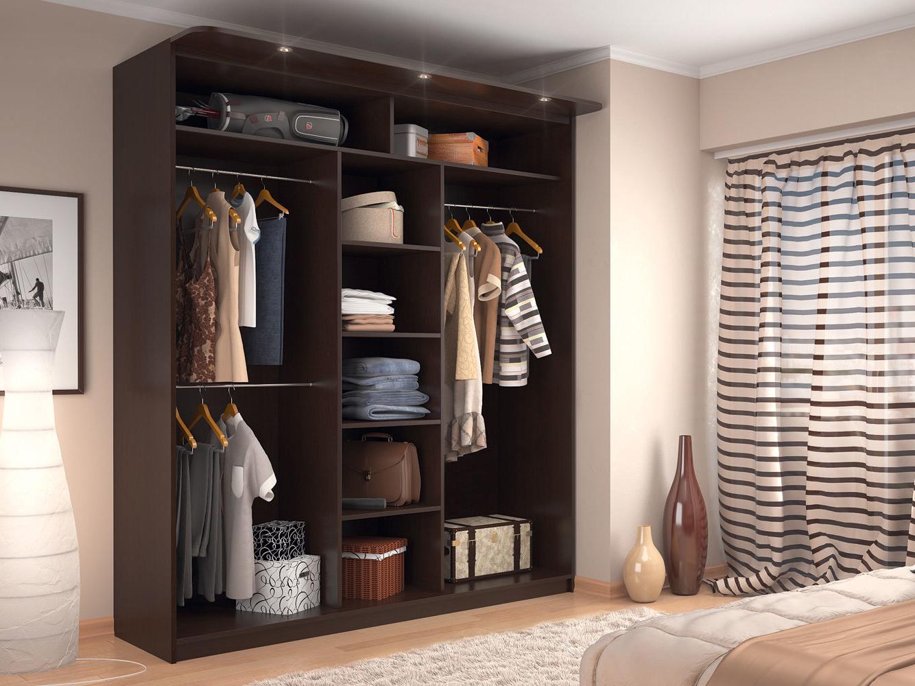 шкаф в интерьере помещения