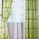 зеленые шторы полоска