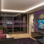 шкаф-купе в гостиной фиолетовый