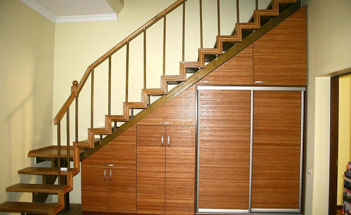 комбинированный шкаф под лестницу