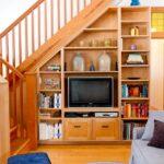 шкаф под лестницей с тв