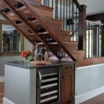 шкаф под лестницей с баром