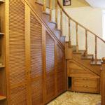 шкаф под лестницей деревянный коричневый