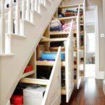 шкаф под лестницей выдвижной треуголтныый