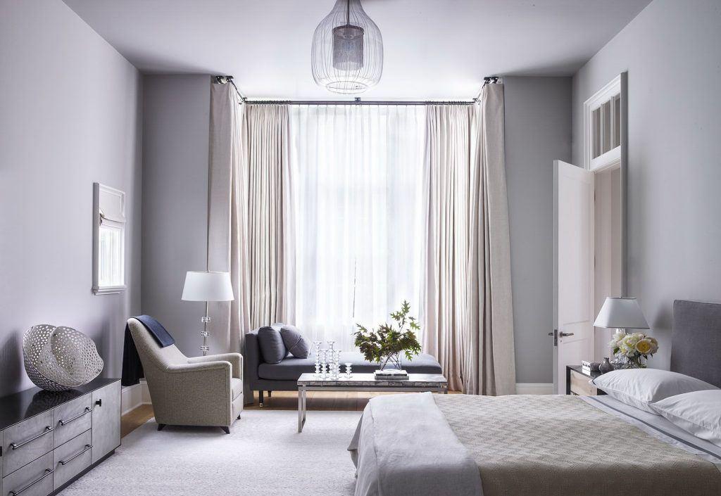 шторы к серым обоям дизайн