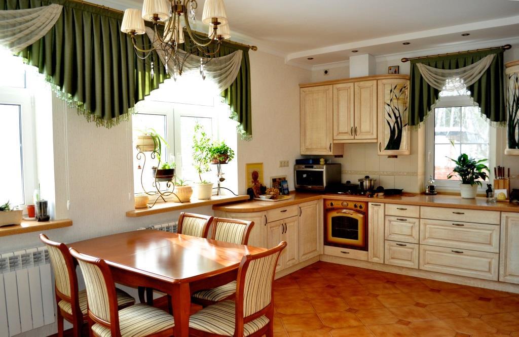шторы на кухне фото