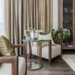 шторы в кухню-гостиную с креслом