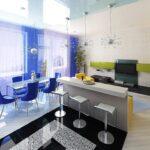шторы в кухню-гостиную синие яркие