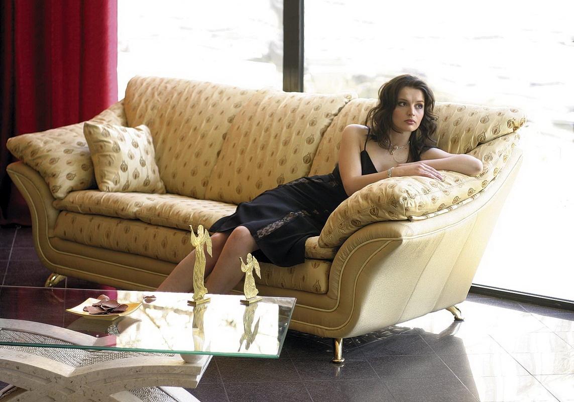 скрип дивана