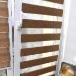 рулонные шторы коричневые зебра