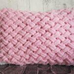 тунисская вязка подушка розовая