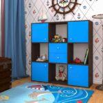 стеллаж в комнате ребенка