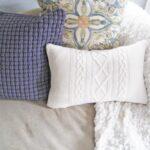 подушки вязаные белые