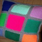подушки вязаные из квадратов