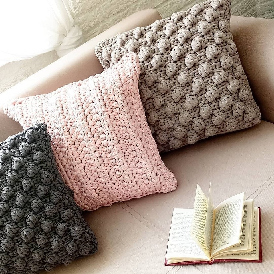 функции вязаной подушки