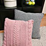 подушки вязаные розовые