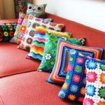 подушки вязаные разноцветные
