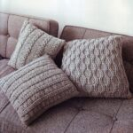 подушки вязаные коричневые