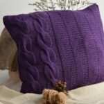 подушка на спицах фиолетовая