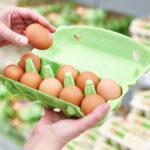 яйца в магазине фото