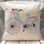 декоративная подушка с велосипедом