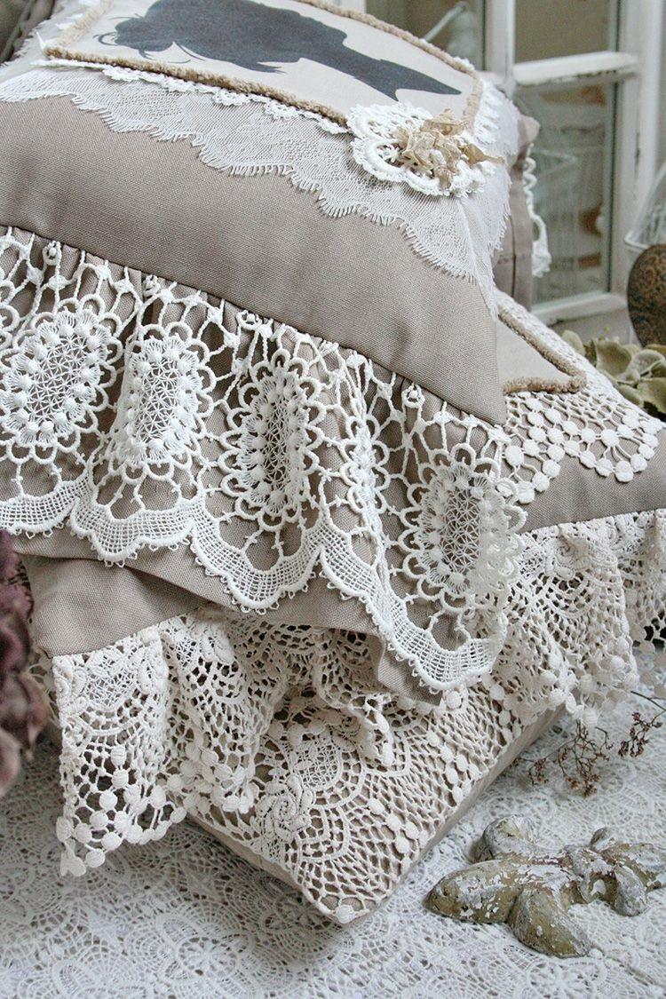 украшение подушки кружевами