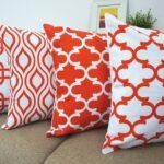 декоративная подушка красная