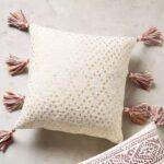 декоративная подушка с кистями