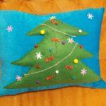 декоративная подушка с елкой