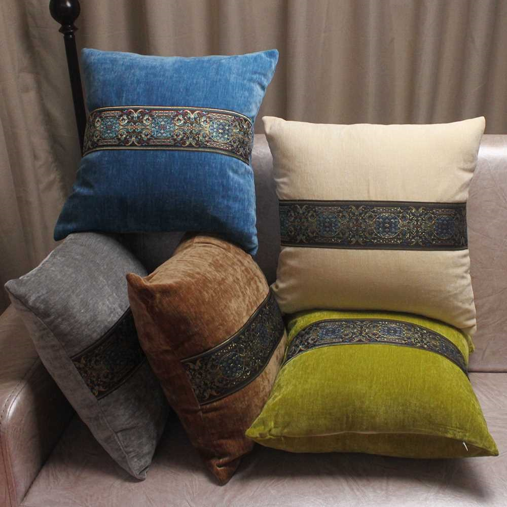 квадратные подушки для дивана