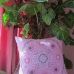 декоративная подушка сиреневая