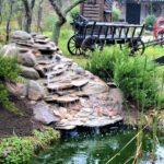 декоративный водопад с телегой